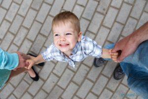 Как усыновить ребёнка в РФ?